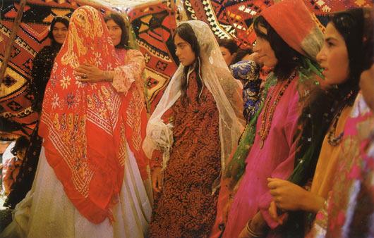 iran dance spitting